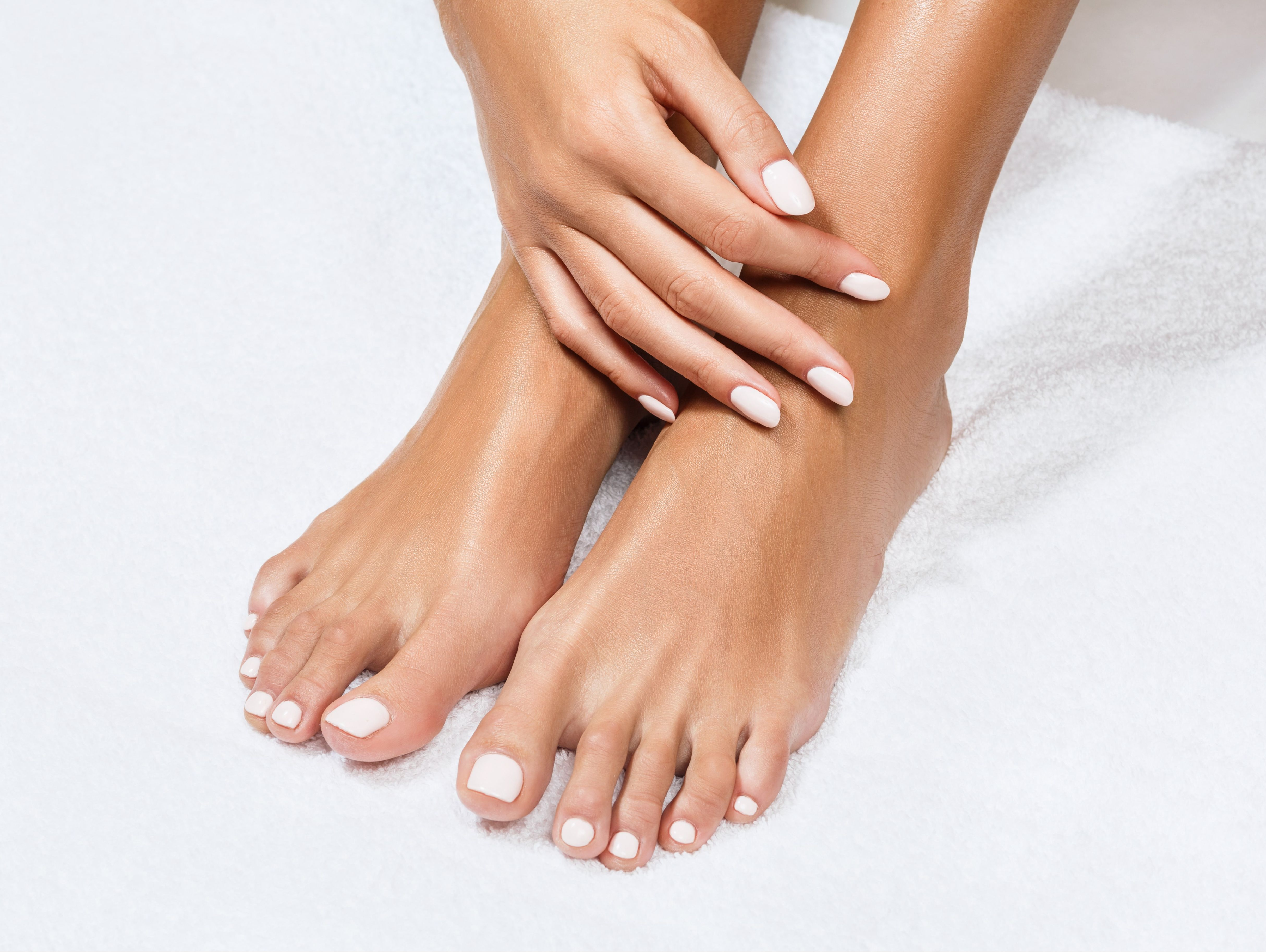 Manicure & Pedicure - Esthetic Cosmetic Medical Center AG